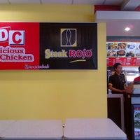 Photo taken at Steak roso - Borma Rancaekek by Prasetya H. on 9/28/2013