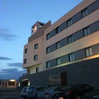Foto tomada en H2 Hotel Elche por Karlos A. el 3/28/2013