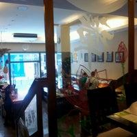 Foto diambil di Shi-Shang oleh Paloma J. pada 9/15/2012