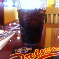 Photo taken at Fuddruckers by Mohammed S A. on 2/8/2013