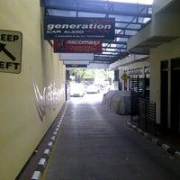 Photo taken at Checkpoint Auto Salon Cafe by M REZA on 12/29/2012