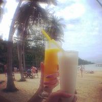 Photo taken at เกาะหวายบีชรีสอร์ท KOH WAI Beach Resort by Serj K. on 2/21/2014