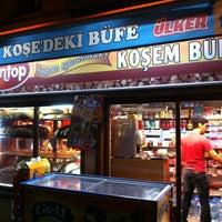 Photo taken at Köşe'deki Büfe by Alper on 7/11/2013