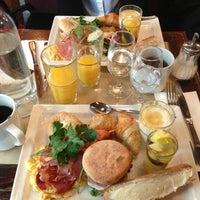 Photo taken at Café Divan by Marc G. on 3/30/2013