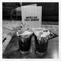 6/14/2013 tarihinde Nvzt S.ziyaretçi tarafından Ari Antik Nargile Cafe'de çekilen fotoğraf
