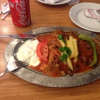 Photo taken at Bakırköy İskender Kebap ve Lahmacun Salonu by Zeliş🐞 on 9/16/2014