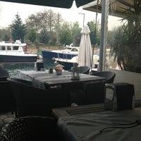 4/6/2013 tarihinde canziyaretçi tarafından Göksu Marine Restaurant'de çekilen fotoğraf