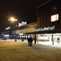 Foto diambil di Duisburg Hauptbahnhof oleh Fevzi T. pada 1/19/2013