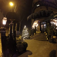 12/13/2015 tarihinde Fevzi T.ziyaretçi tarafından Louise Brasserie & Lounge'de çekilen fotoğraf