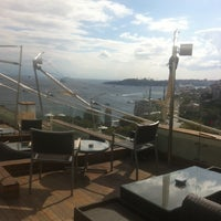 Foto tirada no(a) Gaja Roof por Sinan T. em 9/22/2013
