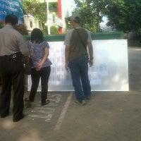 Photo taken at SMA Negeri 68 Jakarta by dhika p. on 11/3/2013