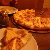 Photo taken at Pizza Hut by Julian Lex. on 7/6/2013