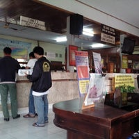 Photo taken at Kantor SAMSAT Klungkung by Dedy A. on 2/17/2014