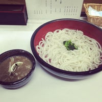 Photo taken at つけ鴨うどん 鴨錦 千代田店 by Hiroshi T. on 10/5/2014
