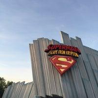 Снимок сделан в Superman: Escape From Krypton пользователем Afnan 11/24/2014
