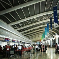 Photo taken at Chhatrapati Shivaji International Airport (BOM) by Иανιи к. on 12/4/2012