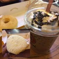 Photo taken at J.Co Donuts & Coffee by Yofi S. on 9/26/2015