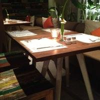Das Foto wurde bei MozzarellA Restaurant & Bar von Akhil N. am 6/12/2013 aufgenommen