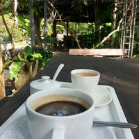 Photo taken at Montrio Cafe' by สรวงสุดา แ. on 11/15/2013