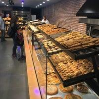 5/12/2018 tarihinde Volkan P.ziyaretçi tarafından Peyka Pattisere & Fırın & Cafe'de çekilen fotoğraf