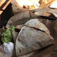 Foto tomada en Qdoba Mexican Grill por Mister Q el 10/20/2017