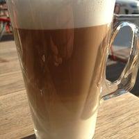Das Foto wurde bei SWT Cafe von Bulent K. am 3/5/2013 aufgenommen