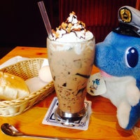 Photo taken at Komeda's Coffee by そよかぜ チ. on 4/19/2015