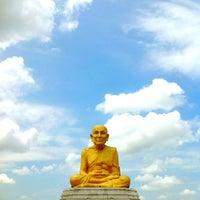 Photo taken at สมเด็จหลวงพ่อทวด องค์ใหญ่ที่สุดในโลก by Angel C. on 6/15/2013