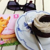 Photo taken at Cupcake Berlin by Sarah F. on 4/15/2013