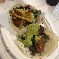 8/5/2018에 Elizabeth T.님이 Los Tacos No. 1에서 찍은 사진