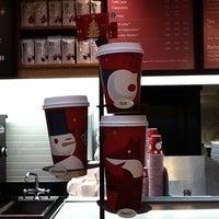 Das Foto wurde bei Starbucks von Svetlana am 12/2/2012 aufgenommen