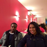 Photo taken at Dashing Diva Brooklyn Heights by Daysi P. on 2/22/2014
