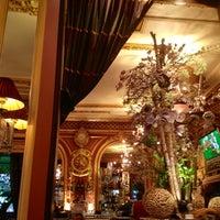 Foto tirada no(a) Grand Café des Négociants por Bernard P. em 10/13/2012