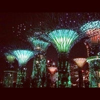 Photo taken at Gardens by the Bay by Ekaterina 😼 R. on 5/9/2013