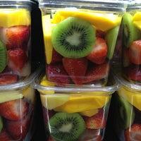 Foto tomada en Whole Foods Market por Colette Q. el 2/22/2013