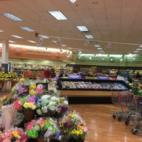 Photo taken at Winn-Dixie by *Ch€|0•🦋 on 4/27/2017