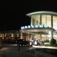 Photo taken at Dadeland Mall by *Ch€|0•🦋 on 11/6/2012