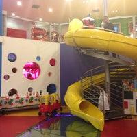 Photo taken at Rekreo, Salón de Fiestas Infantiles by Miguel Angel A. on 10/16/2013