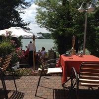 Foto tomada en Part Café és Panzió por Rita K. el 6/29/2014