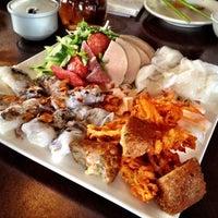 Tay Ho Restaurant & Bar