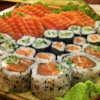 Foto tirada no(a) Sushi Iê por Gabriel S. em 10/17/2012