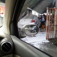 Photo taken at Analusia Car Wash by Zairie A. on 7/14/2013