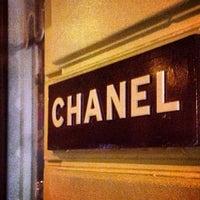 Das Foto wurde bei CHANEL Boutique von Elizabeth am 2/22/2013 aufgenommen