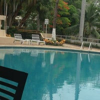 Das Foto wurde bei Hotel Quality Inn Cencali von Cynthia am 5/30/2013 aufgenommen