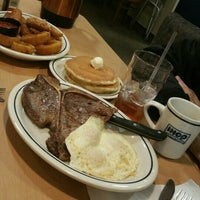 Photo taken at IHOP by Miren G. on 12/13/2015