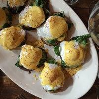 Снимок сделан в The East Pole - Kitchen & Bar пользователем No Leftovers J. 11/22/2014