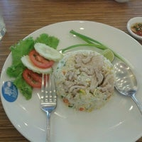 Photo taken at Jiffy Kitchen by Nantapong M. on 1/13/2013