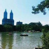Foto diambil di Central Park oleh Tuğba D. pada 6/24/2016