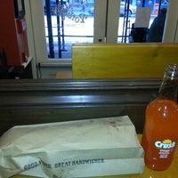 Foto tirada no(a) Potbelly Sandwich Shop por Saurav A. em 10/13/2012