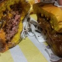 Foto tirada no(a) Pocket Burger por Nádia I. em 11/6/2016